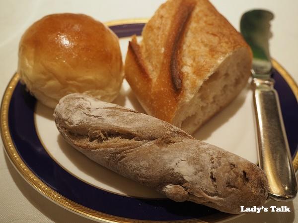 リッツカールトンのパンの写真